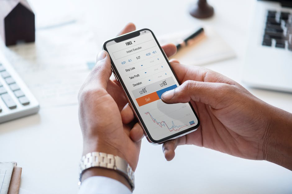 Investing for Newbies: 5 Great Stocks for Beginners to Buy