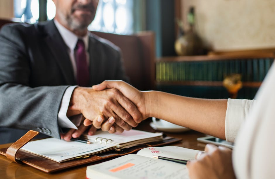 How to Find and Hire the Best Business Attorney for Your Small Business