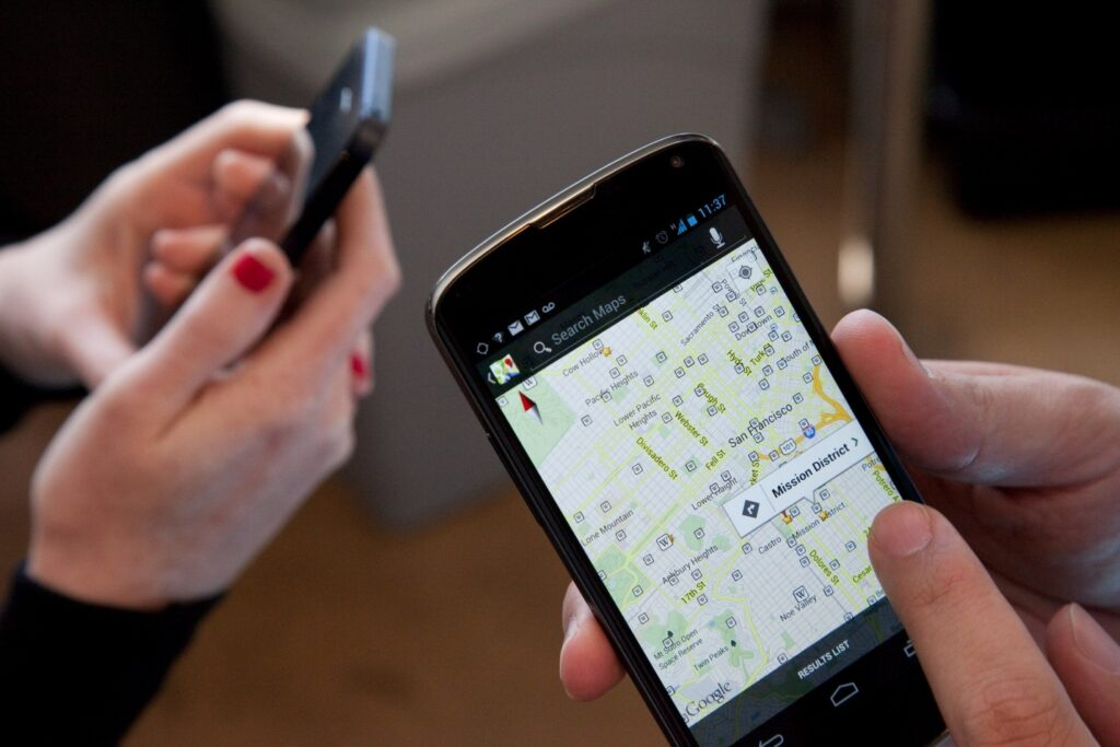 Google Maps vs. Google Maps: The iOS and Android Smackdown   WIRED